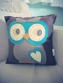 purple_felt_owl_pillow