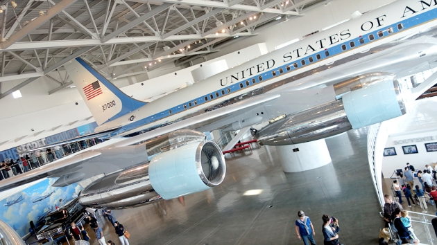 air-force-one-side-view