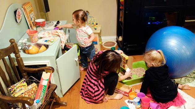 girls-playing