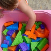 sponge-sensory-bin-2-sq
